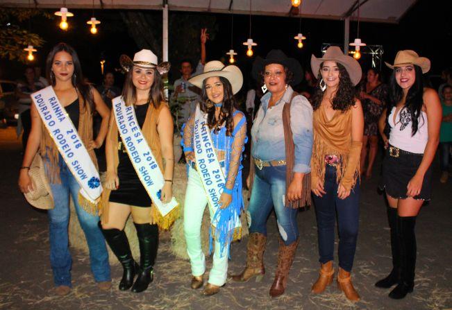 Notícia - ESCOLHIDAS A RAINHA E PRINCESAS DO DOURADO RODEIO SHOW ... c2d687261a3